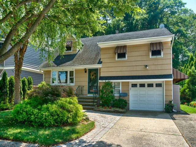 3 BR,  2.00 BTH Split level style home in Rochelle Park