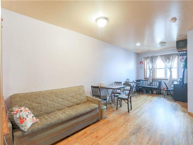 2 BR,  2.00 BTH Condominium style home in Sunset Park