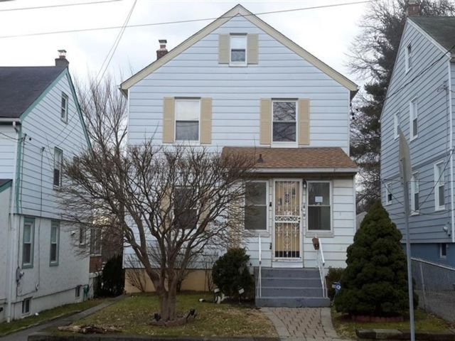 3 BR,  1.55 BTH Colonial style home in Mount Vernon