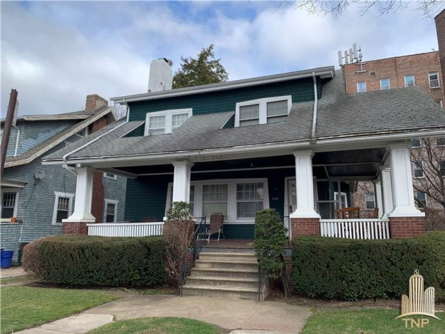 5 BR,  2.00 BTH  Single family style home in Flatbush