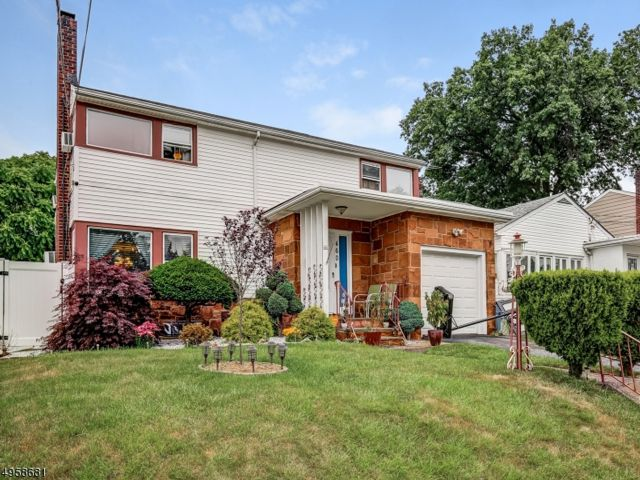3 BR,  1.50 BTH Colonial style home in Paterson