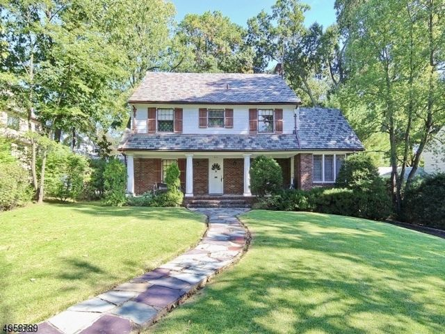6 BR,  3.55 BTH  Colonial style home in South Orange