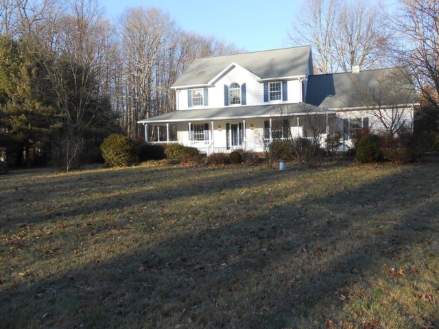 3 BR,  2.50 BTH 2 story style home in Churchville