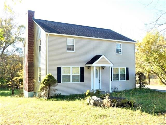3 BR,  1.50 BTH Colonial style home in Wassaic