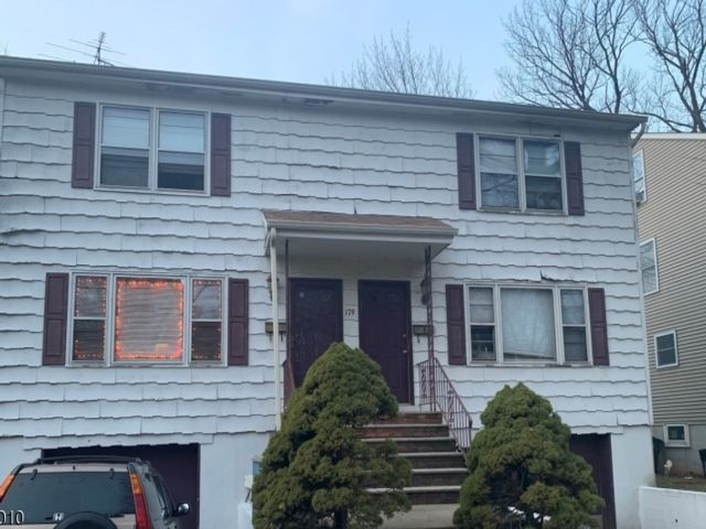 6 BR,  3.55 BTH Multi-family style home in South Orange
