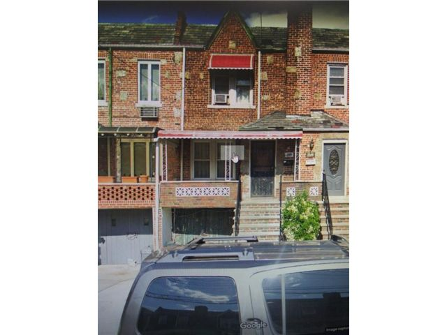 4 BR,  3.00 BTH Single family style home in Canarsie