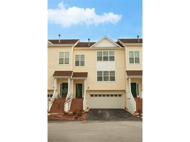 2 BR,  2.55 BTH Town house style home in Middletown