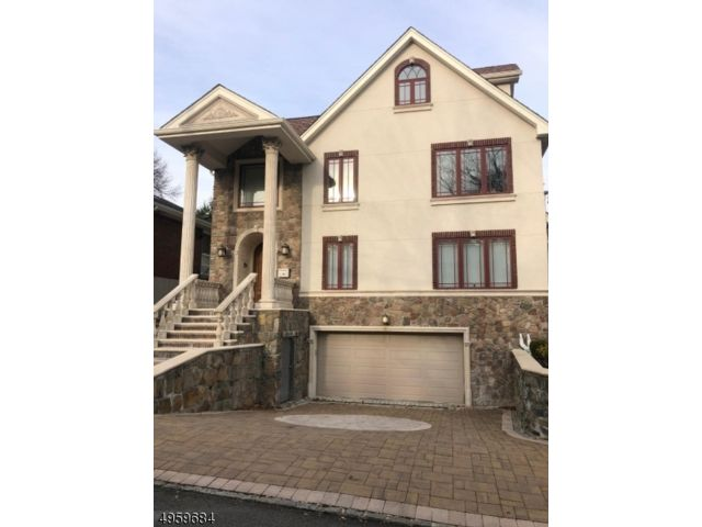4 BR,  3.50 BTH Colonial style home in Cliffside Park
