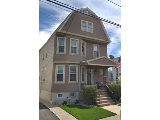 3 BR,  1.00 BTH Apartment style home in North Arlington