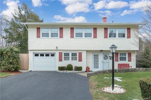 3 BR,  1.50 BTH Colonial style home in Hawthorne
