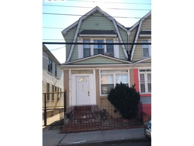 4 BR,  1.50 BTH 2 story style home in Brooklyn