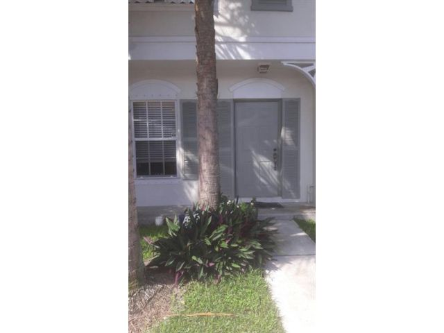 2 BR,  1.50 BTH Townhouse style home in Margate