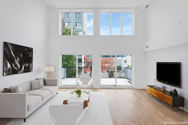 3 BR,  3.00 BTH  Condo style home in Long Island City