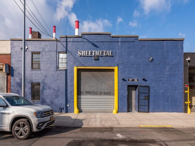 Studio,  1.00 BTH Commercial style home in Long Island City