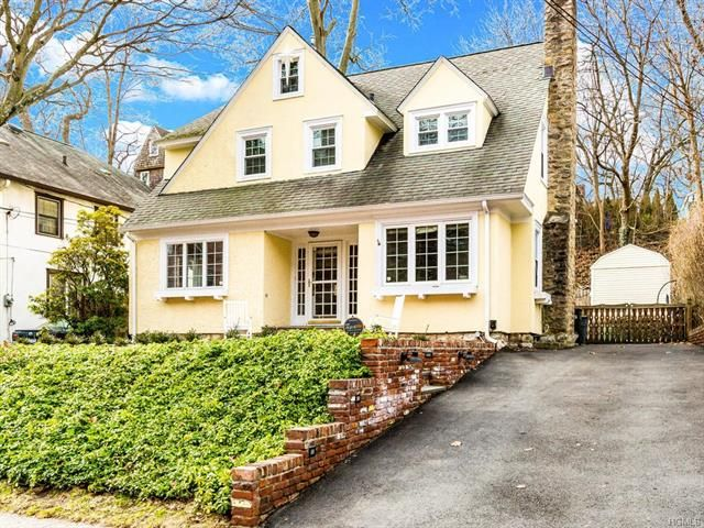 4 BR,  2.50 BTH Tudor style home in Bronxville