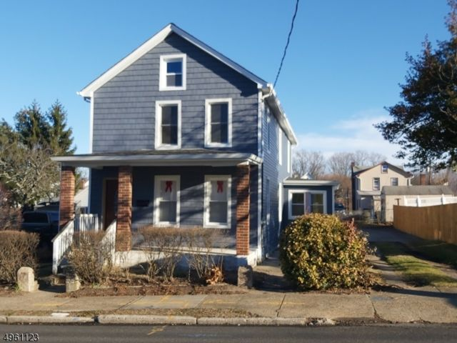 4 BR,  2.00 BTH  Colonial style home in South Amboy
