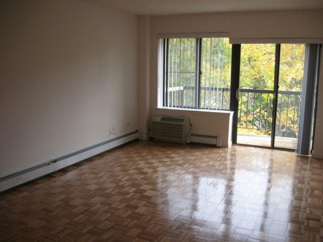 1 BR,  1.00 BTH  style home in Fresh Meadows