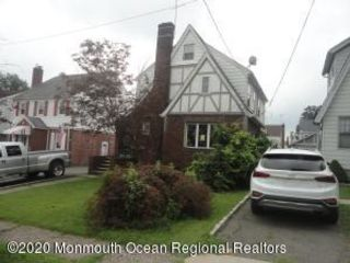 3 BR,  1.00 BTH Cape style home in Belleville