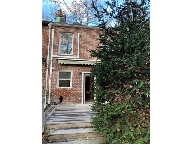 [Sunnyside Real Estate, listing number 6947905]