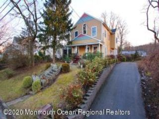 5 BR,  2.50 BTH  Custom style home in Atlantic Highlands