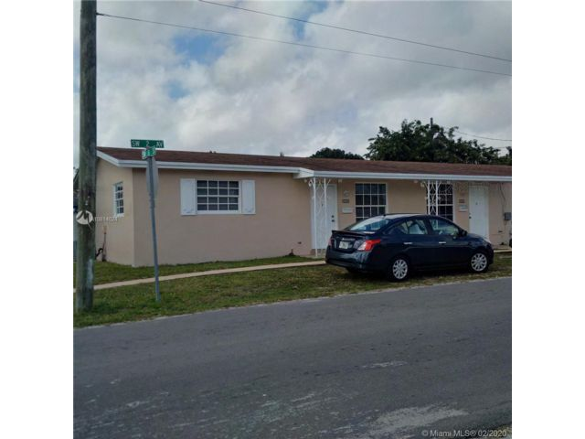 2 BR,  1.00 BTH  Apartment style home in Hallandale Beach