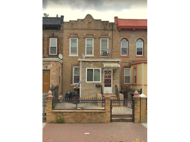 3 BR,  2.00 BTH  Single family style home in Flatbush