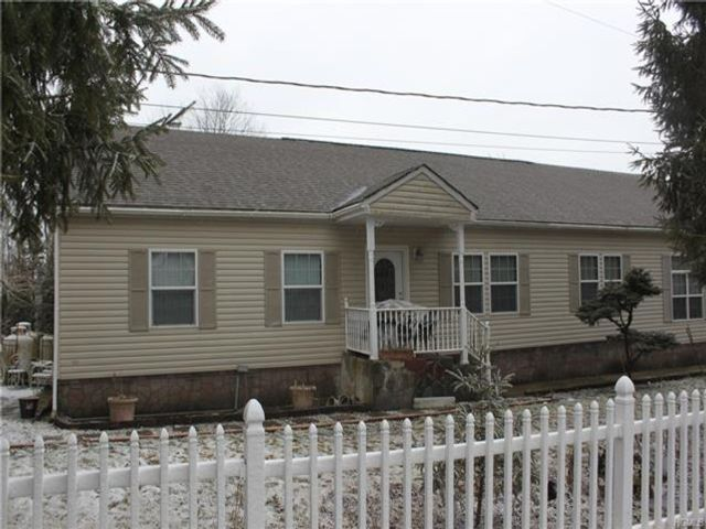 3 BR,  3.00 BTH Ranch style home in Fallsburg