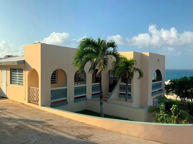 4 BR,  4.50 BTH  style home in Vieques