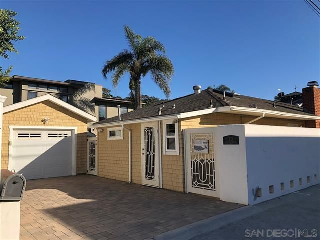 3 BR,  2.00 BTH   style home in Del Mar
