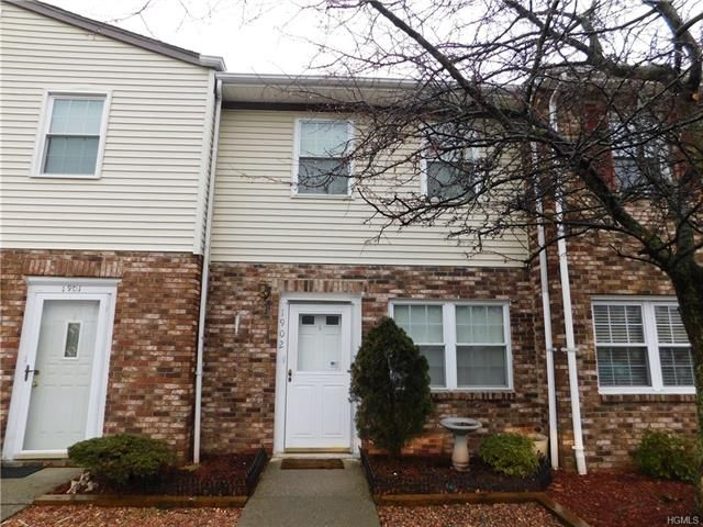 2 BR,  1.50 BTH Town house style home in New Windsor