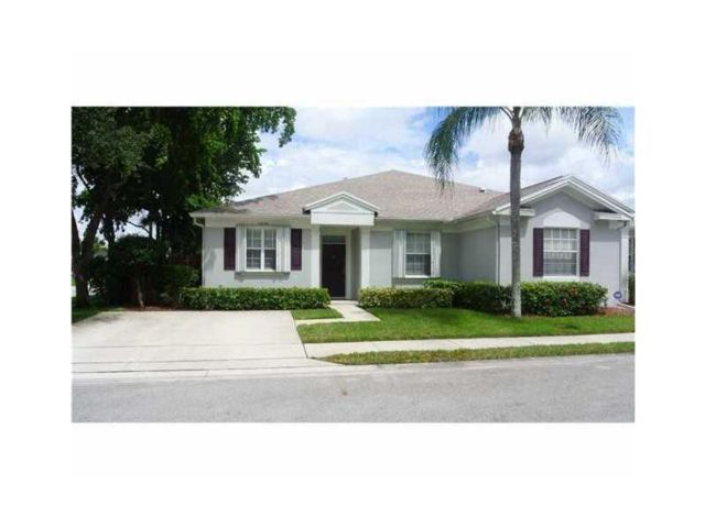 2 BR,  2.00 BTH Townhouse style home in Tamarac