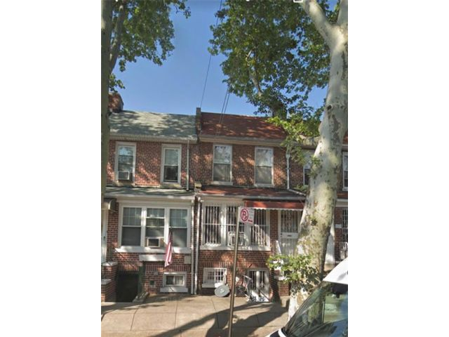 3 BR,  2.50 BTH  Single family style home in Dyker Heights