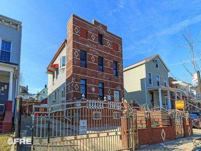 [Kensington Real Estate, listing number 6948616]
