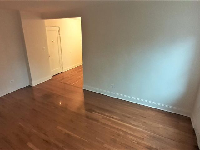 [Gravesend Real Estate, listing number 6948672]