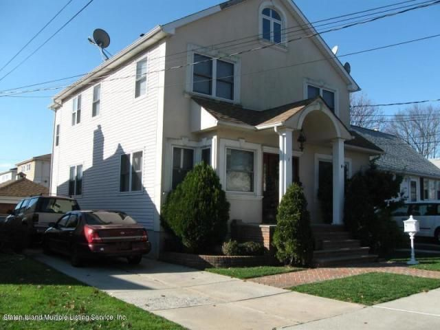 3 BR,  2.55 BTH  Colonial style home in Bay Terrace