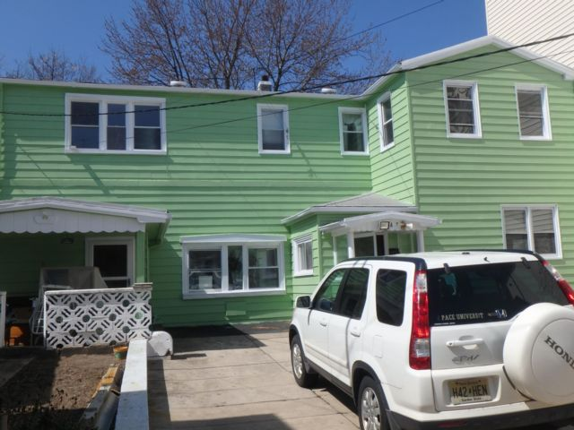 6 BR,  2.00 BTH  style home in Bayonne