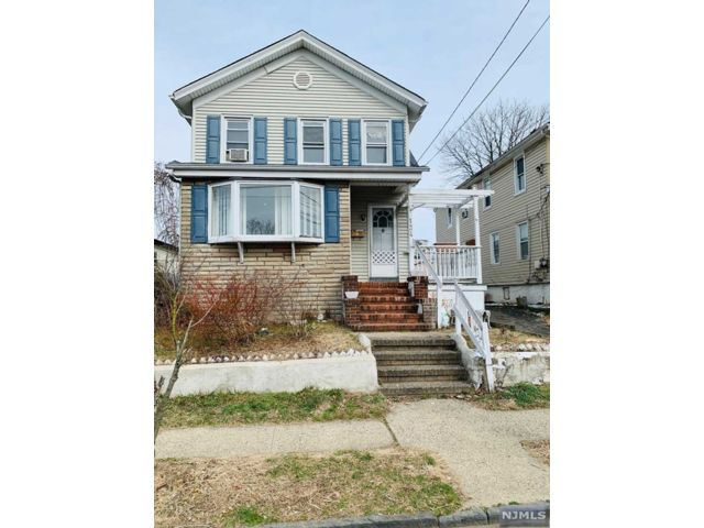 3 BR,  2.00 BTH 2 family style home in Hackensack