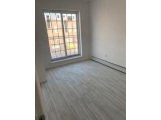 3 BR,  1.00 BTH Rental style home in Bensonhurst