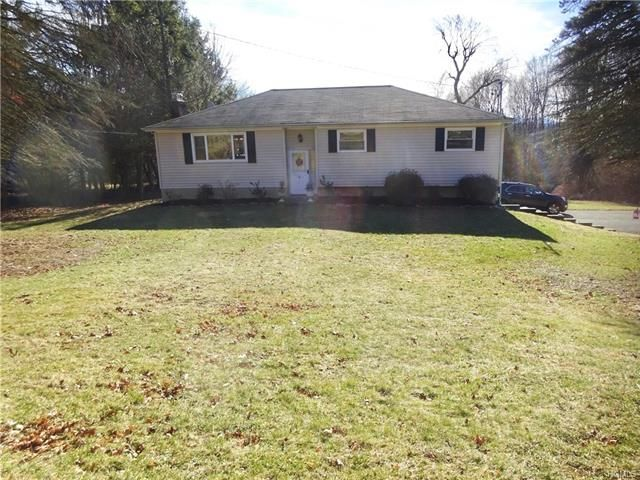 3 BR,  2.50 BTH Raised ranch style home in Fishkill