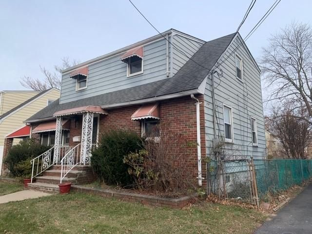 5 BR,  2.00 BTH  Cape style home in Rahway