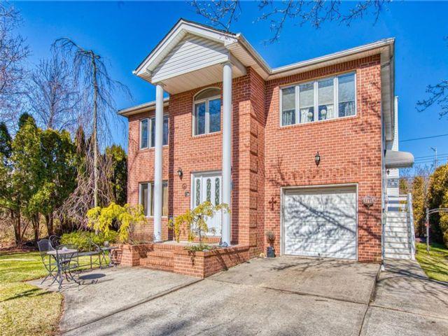 4 BR,  4.00 BTH Multi-family style home in Princess Bay