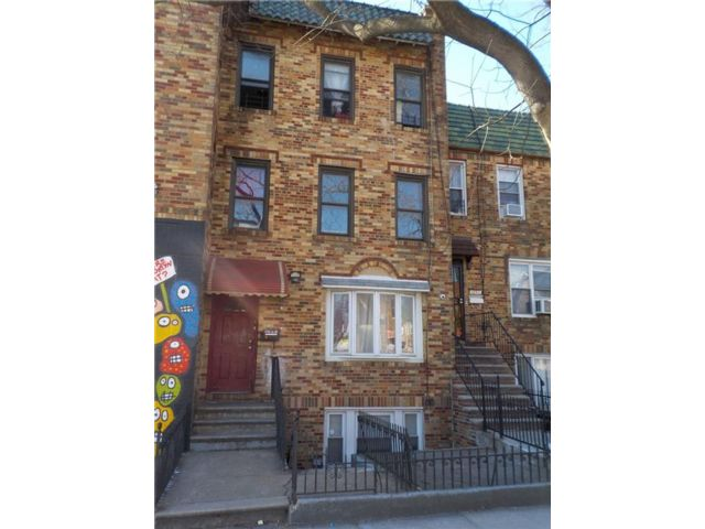 7 BR,  0.00 BTH  Multi-family style home in East Flatbush
