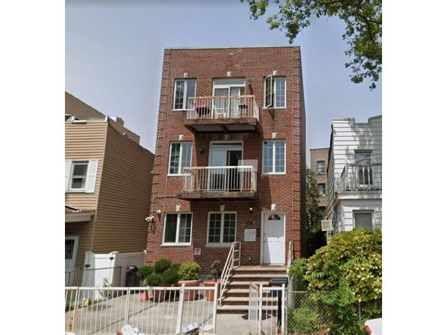 6 BR,  3.00 BTH  Multi-family style home in Bay Ridge