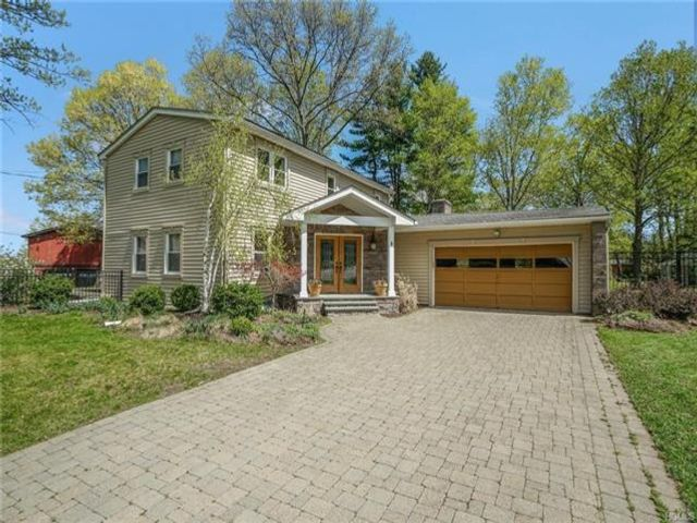 4 BR,  2.50 BTH Contemporary style home in Cornwall On Hudson