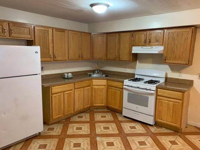 2 BR,  1.00 BTH  Apartment style home in Rockaway Beach