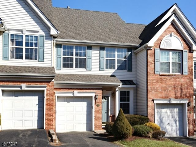2 BR,  2.00 BTH Townhouse-inter style home in Nutley