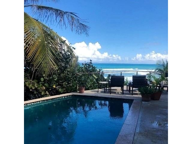 7 BR,  6.00 BTH   style home in Vieques