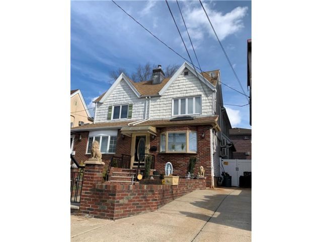 3 BR,  1.50 BTH  Single family style home in Dyker Heights