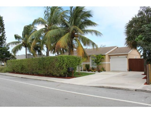 3 BR,  2.00 BTH   style home in Lake Worth