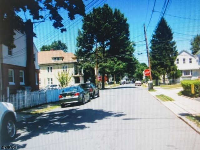 [Bloomfield Real Estate, listing number 6949573]